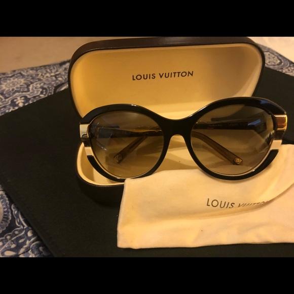 701d9be3a3b9 Louis Vuitton Accessories - Louis Vuitton Sunglasses